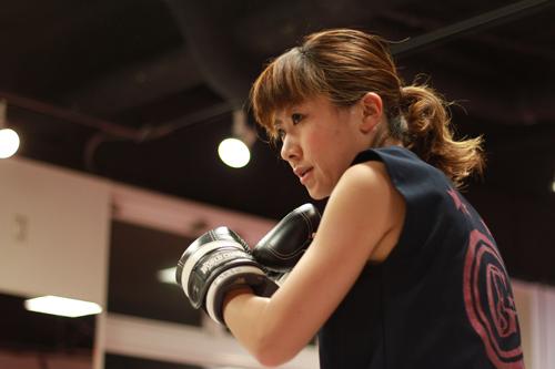 ついに誕生!道内初の女性プロキックボクサーに期待! | BRAVE KICK・MAKIさん