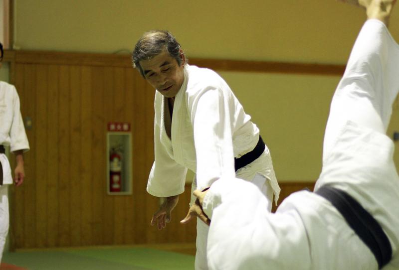 重心を攻めれば重たい。中心を攻めれば力は要りません。 | 合気道天祥社・佐藤正博さん